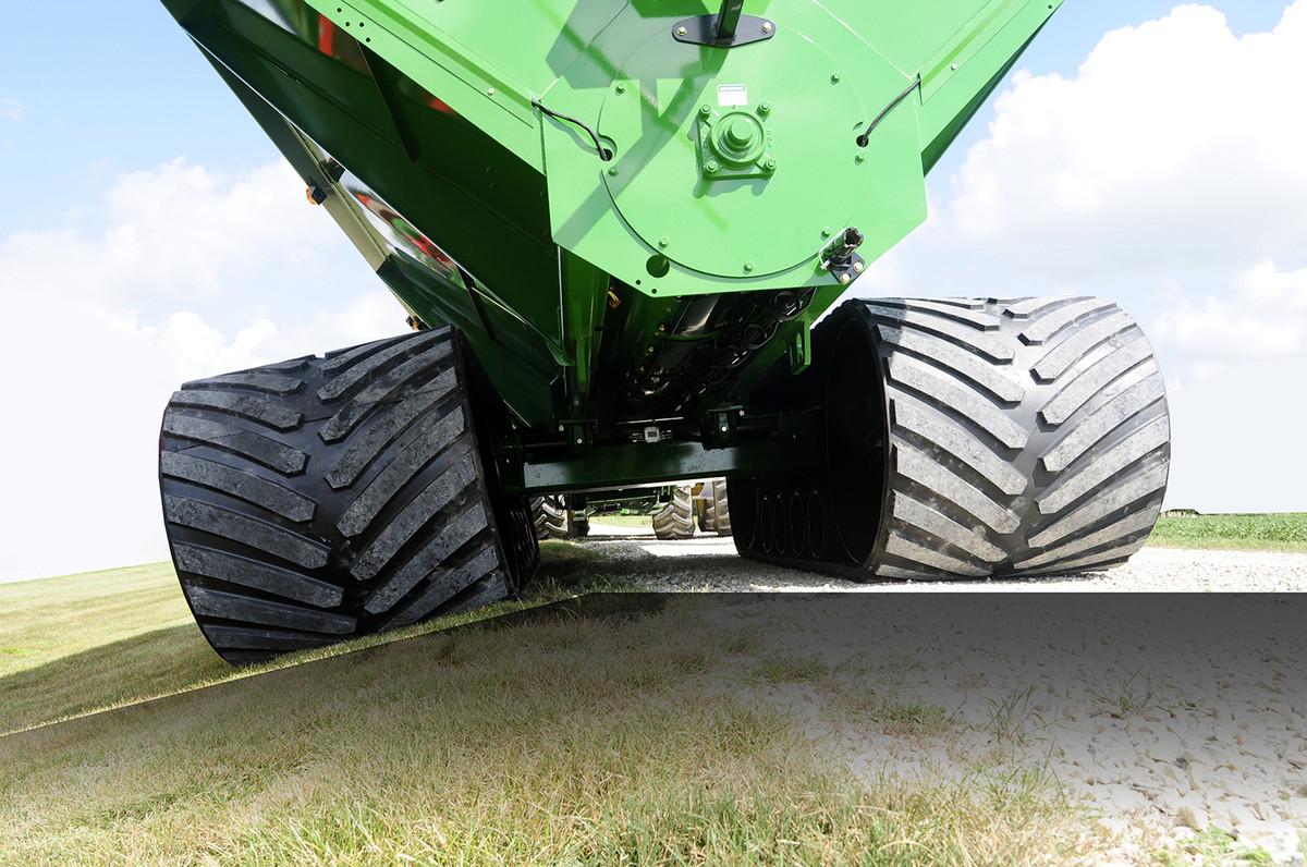 x treme grain carts with front folding auger unverferth grain handling rh umequip com