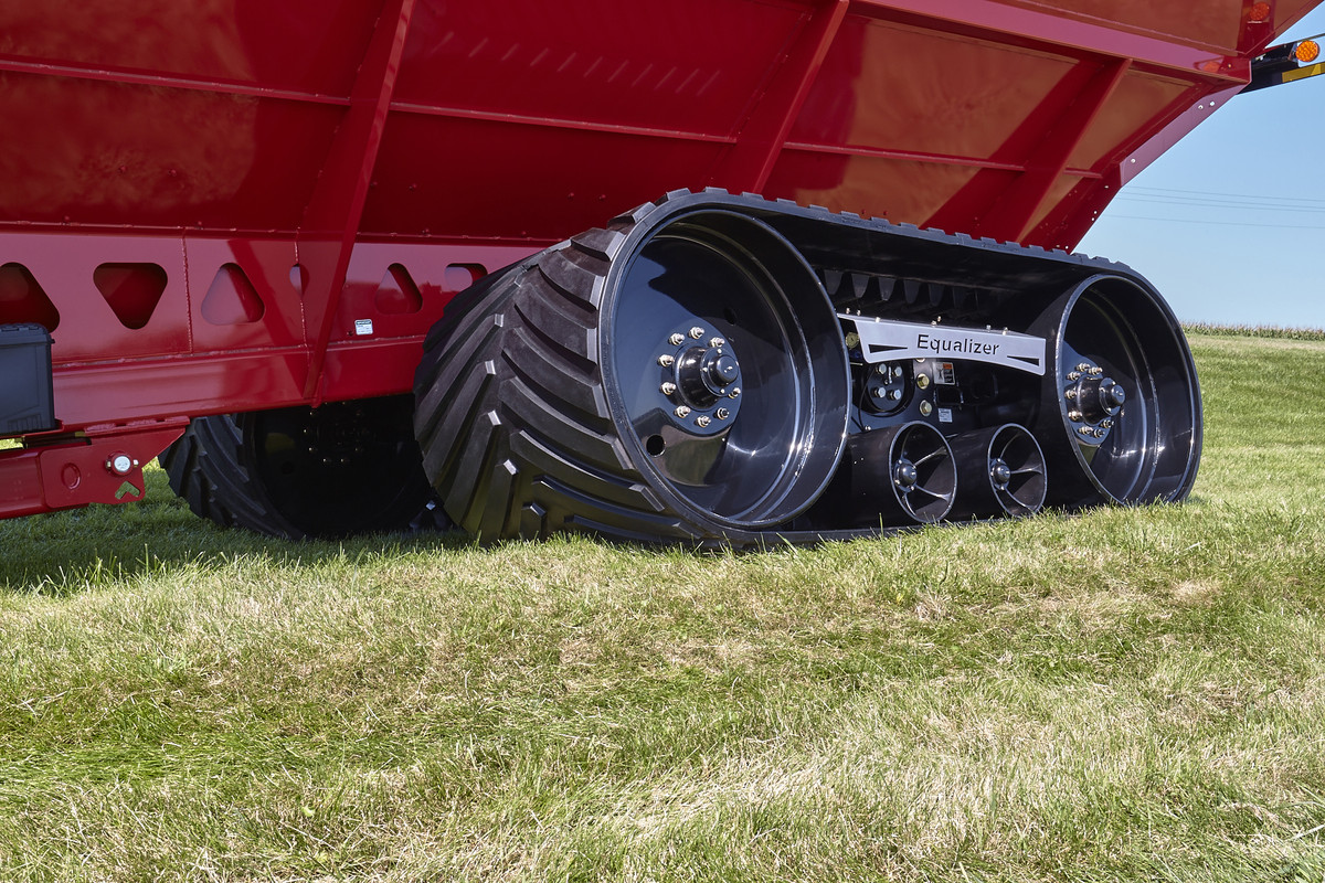 42-Series Single Auger Grain Carts - Parker Equipment