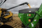 Auger carts, auger wagon, chaser bin, hopper wagon, grain handling, largest grain cart, grain cart with tracks