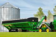 Dual auger grain cart, largest grain cart, grain cart with tracks, 2500 bushel, high capacity grain cart, auger wagon, auger cart, chaser bin
