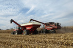 Killbros 1035 Grain Cart In-Field