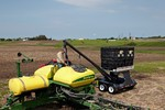 SeedVeyor Bulk Box Seed Tender Filling Planter