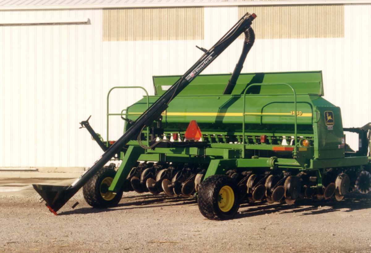 Drill And Planter Fill Augers Unverferth Bulk Handling