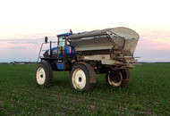 Pro-Force 1250 Dry Spreader Row-Crop Sprayer Mounted