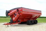 UM 2020 Track Dual-Auger Grain Cart