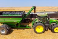 Unloading-19-Series Xtreme Grain Cart