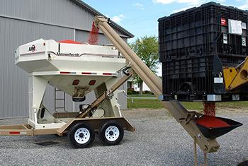 Model 2750 Seed Runner BulkTender