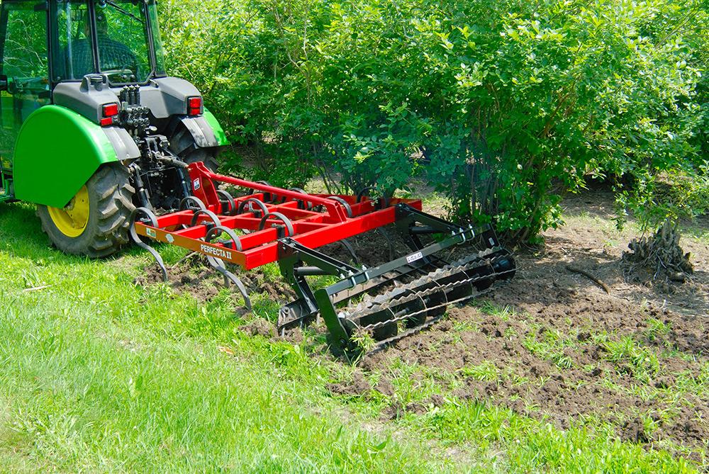 Perfecta Field Cultivators - Unverferth Seedbed Tillage
