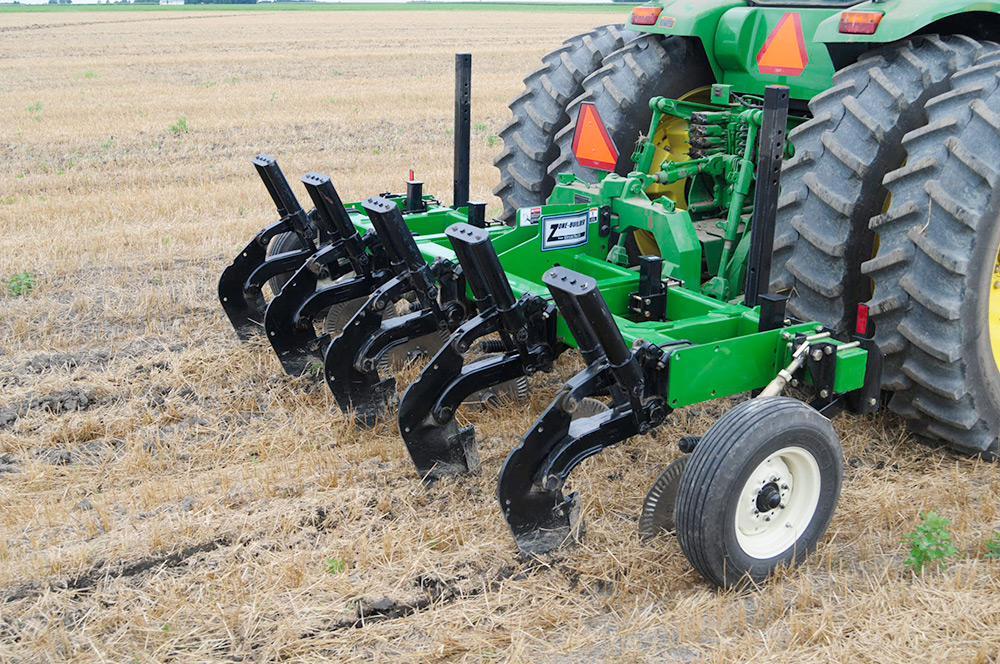 Zone-Builder® Subsoiler - Unverferth Primary Tillage